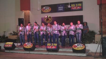 """""""La Quinceañera de Grupo Chávez Radio""""."""