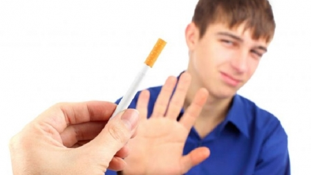 Dejar de fumar también beneficia el metabolismo.