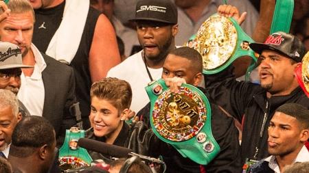 Justin Bieber acompañará Floyd Mayweather.