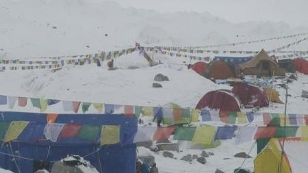 Terremoto en Nepal también desató avalancha en el Everest.