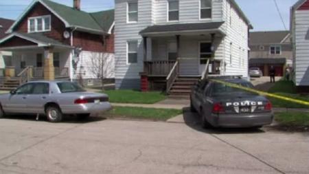 Menor de tres años dispara y mata accidentalmente a bebé, en Cleveland.
