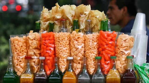 La comida chatarra 'noquea' a la estrategia contra la obesidad, concluye estudio.