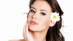 Seis consejos para reducir la piel grasa en el rostro.