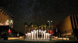 Así se vería el cielo en Los Ángeles sin la contaminación lumínica.