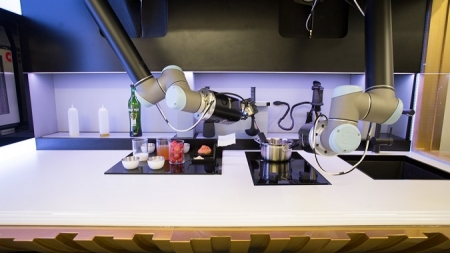 Crean chef robot para quienes no saben cocinar.