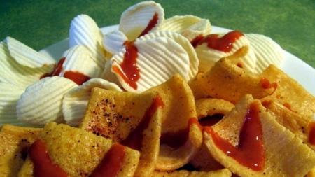 En calor sugieren descartar alimentos hipercalóricos.