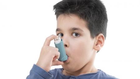 Asma, una de las causas principales de ausentismo escolar y laboral.