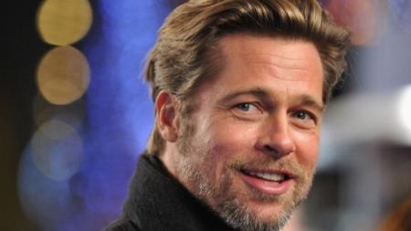 Revista asegura que Brad Pitt es bisexual.