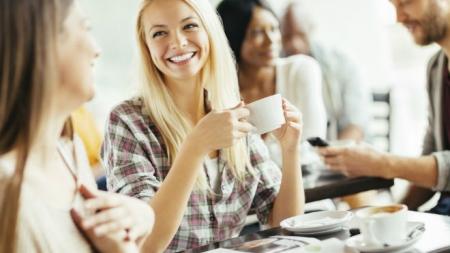 EL CAFÉ Y EL TÉ ¡NO DESHIDRATAN!