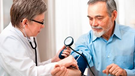 Chequeo médico anual permite detectar a tiempo enfermedades.