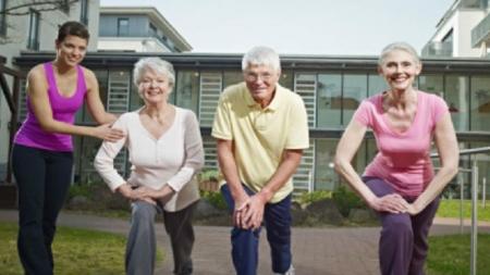 Adultos que se ejercitan ganan cinco años más de vida.