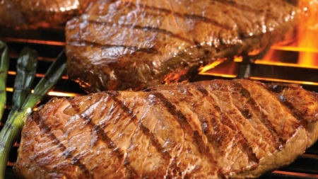 Una familia come solo carne desde hace 17 años.