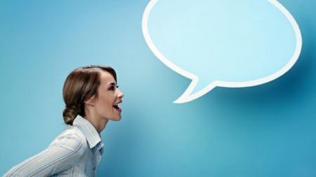 ¿Hablar solo es síntoma de locura?