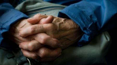Alumnos del IPN desarrollan sistema para detectar etapas tempranas de Parkinson.
