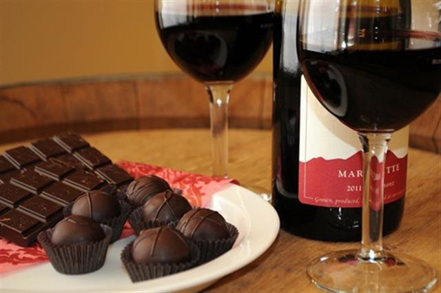 Chocolate, vino y café previenen enfermedades del corazón.