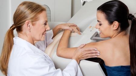 Mamografía cada 2 años reduce mortalidad de mujeres mayores de 50.