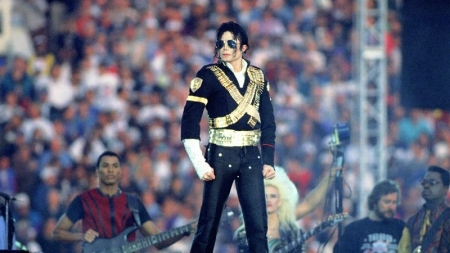 MICHAEL JACKSON SIGUE ROMPIENDO RECORDS