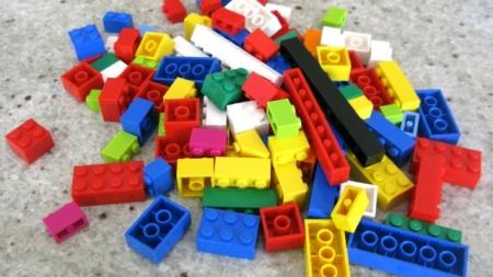 LE DONAN 17 MIL DOLARES TRAS HURTAR SU COLECCIÓN DE LEGO