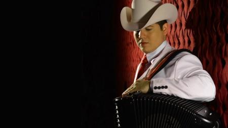 "REMMY VALENZUELA ESTRENARÁ ""MI AMANTE"", VIDEO TRIBUTO AL ""VALE"""