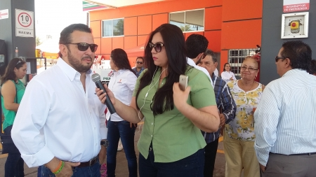INAUGURACIÓN DE «ESCOSERRA GASOLINERAS»