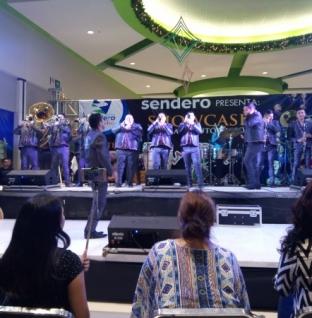 LA ORIGINAL BANDA EL LIMÓN EN PLAZA SENDERO ¡UNA PROMOCIÓN MÁS DE KE BUENA Y 40!
