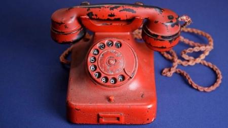 COMPRAN TELEFONO DE HITLER EN 250 MIL DOLARES