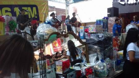 LA FIESTA DEL MERCADO CON GS 106.1FM AHORA DEDICADA A MAMÁ