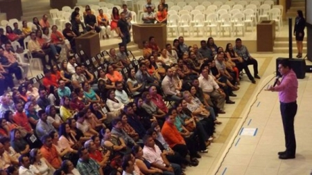 """CONFERENCIA CESAR LOZANO """"MUJERES DIFÍCILES HOMBRES COMPLICADOS"""""""