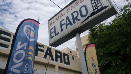 """ARRIBA EL JEFE EN EL MERO CENTRO DE LA CIUDAD CON """"EL FARO HIDALGO"""""""
