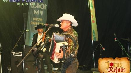 LOS CICLONES DEL ARROYO DE JULIO LEYVA ¡ENCIENDE EL ESCENARIO DEL CARNAVAL DE TOPOLOBAMPO!