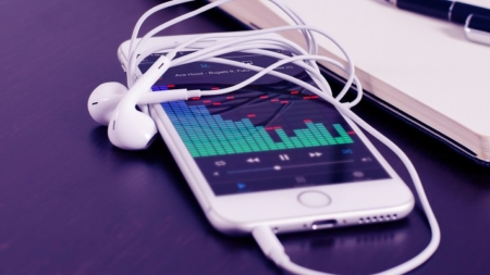 LA RADIO SE ESCUCHA POR ALTAVOCES INTELIGENTES