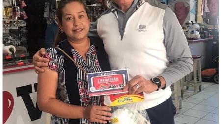 Participa en la promoción MALOVA Y CHAVEZ RADIO