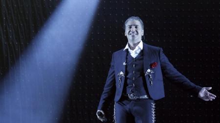 ¡Orgullo de México! Alejandro Fernández, El Potrillo, cantará en París.