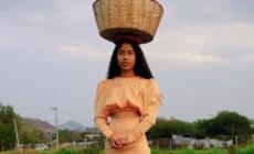 Karen Vega, la modelo oaxaqueña que hoy es portada de la revista Vogue México