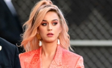 Katy Perry retrasa el lanzamiento de su disco 'Smile'
