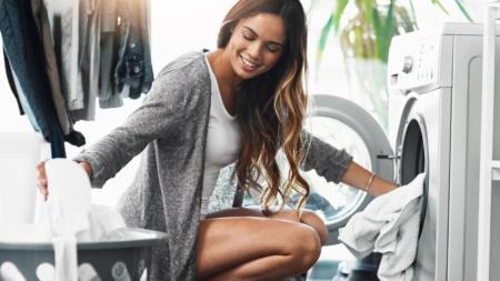 ¿Con qué frecuencia deberías, en realidad, lavar tu ropa para que dure más tiempo?