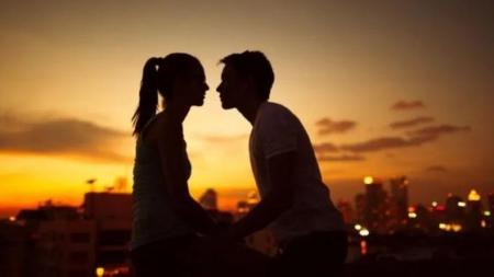 Estos son los signos del zodiaco que no soportan estar solteros
